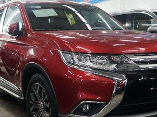 Cần bán xe Mitsubishi Outlander sản xuất năm 2019, màu đỏ