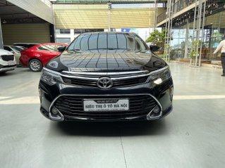 Bán xe Toyota Camry màu đen sang, lịch lãm siêu lướt, trả góp chỉ 297 triệu