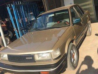 Xe Nissan Bluebird sản xuất 1988, màu vàng, nhập khẩu
