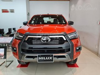 Bán Toyota Hilux 2.8G 4x4 AT Adventure năm 2021, 913 triệu, giá tốt