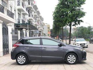 Cần bán Toyota Yaris sản xuất năm 2017, màu xám