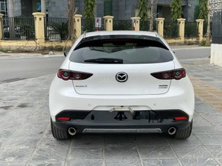 Cần bán xe Mazda 3 sản xuất năm 2019, màu trắng chính chủ giá cạnh tranh