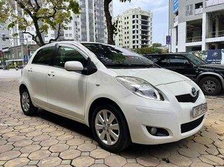 Cần bán xe Toyota Yaris 2010, màu trắng, nhập khẩu
