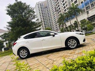Cần bán Mazda 3 1.5 AT đời 2015, màu trắng chính chủ