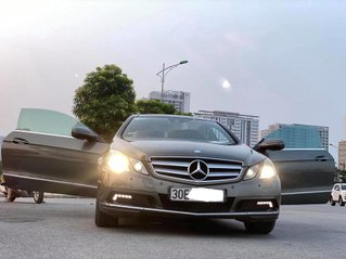 Cần bán lại xe Mercedes E class sản xuất 2010, màu xám