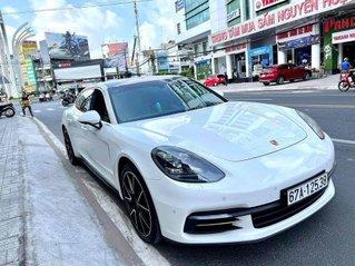 Bán nhanh với giá thấp chiếc Porsche Panamera 4 Excutive model 2020