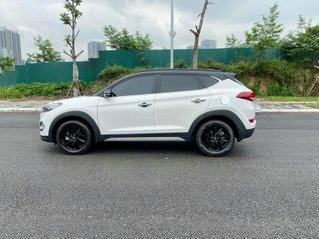Bán Hyundai Tucson sản xuất 2018, màu trắng như mới, giá tốt