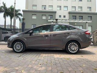Bán xe Ford Fiesta sản xuất 2015 còn mới, 390tr