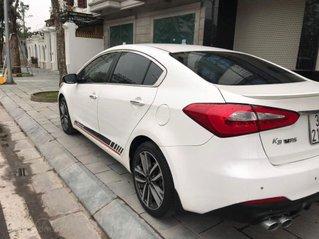 Cần bán xe Kia K3 bản 2.0 đời 2016, màu trắng