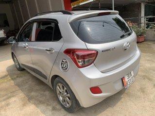 Chính chủ cần bán xe Hyundai Grand i10, màu trắng