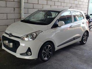 Cần bán xe Hyundai Grand i10 1.2 AT năm 2018, giá 365tr