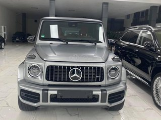 Bán Mercedes G63 AMG màu xám bạc cực đẹp, sản xuất 2021, xe có sẵn giao ngay