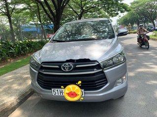 Cần bán Toyota Innova năm 2019, màu bạc, giá 593tr