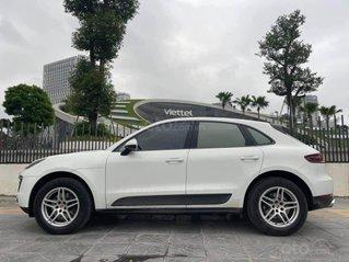 Xe Porsche Macan năm 2016, màu trắng nội thất nâu