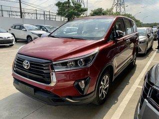 Toyota Innova năm 2021, giảm giá tiền mặt, tặng phụ kiện, xe có sẵn giao ngay