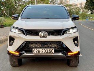 Bán ô tô Toyota Fortuner đời 2020, màu trắng còn mới