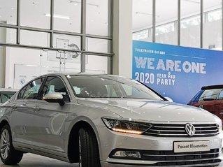 Passat Bluemotion High màu bạc - Sedan nhập Đức - Khuyến mãi 200 triệu