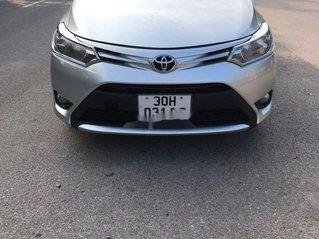 Bán xe Toyota Vios đời 2015, màu bạc còn mới, giá tốt