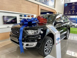 Ford Everest 2021 giảm giá lên đến 40tr và tặng nhiều gói phụ kiện hấp dẫn