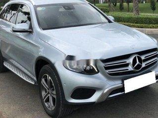 Bán xe Mercedes GLC250 năm 2017 còn mới