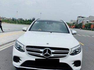 Cần bán Mercedes GLC300 năm 2017