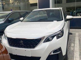 Peugeot Thanh Xuân bán Peugeot 5008 tặng 1 năm bảo hiểm thân vỏ trị giá 15 triệu, trả góp 85% hỗ trợ lái thử
