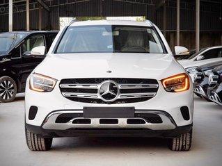 Mercedes GLC 200 4Matic khuyến mãi cực hấp dẫn 05/2021, xe có sẳn đủ màu giao ngay, ngân hàng hỗ trợ 80%