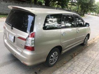 Cần bán xe Toyota Innova 2.0E sản xuất 2016 gia đình dùng