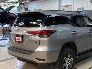 Bán Toyota Fortuner 2.4G sản xuất 2017, màu bạc, nhập khẩu số sàn