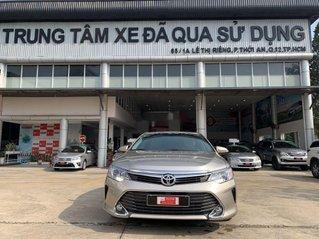 Xe Toyota Camry 2.0E năm sản xuất 2015, giá tốt