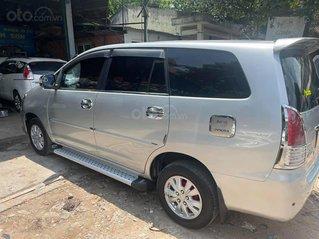 Cần bán Toyota Innova G sản xuất 2010, màu bạc