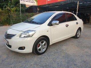 Cần bán Toyota Vios 2011, màu trắng số sàn