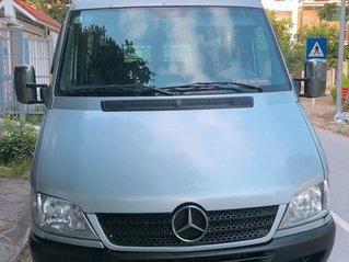 Bán nhanh chiếc xe gia đình Mercedes Sprinter tải van, màu bạc sản xuất 2006