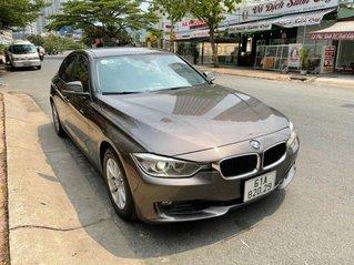 Bán BMW 320i sản xuất 2013, đk 2015, xe còn mới