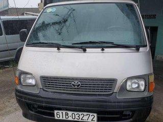 Bán Toyota Hiace sản xuất năm 2004, màu bạc