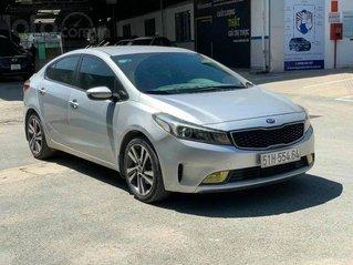 Cần bán lại xe Kia Cerato năm sản xuất 2018, màu bạc
