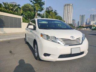 Cần bán lại xe Toyota Sienna đời 2015, màu trắng, nhập khẩu