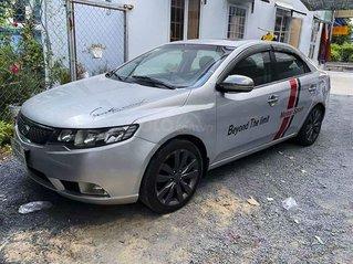 Cần bán xe Kia Forte năm 2011, màu bạc còn mới