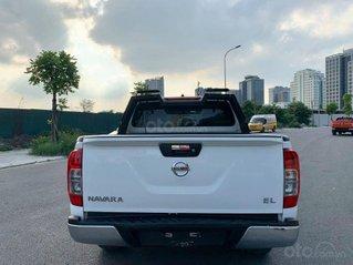 Cần bán lại xe Nissan Navara Premium sản xuất năm 2017, màu trắng