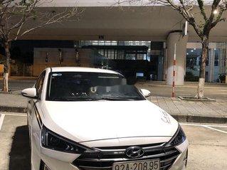 Cần bán gấp Hyundai Elantra đời 2020, màu trắng, giá chỉ 560 triệu