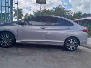 Bán Honda City Top sản xuất năm 2018, màu bạc xe gia đình