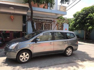 Cần bán gấp Nissan Livina 2011, màu bạc