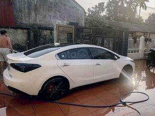 Cần bán lại xe Kia K3 1.6 AT đời 2014, màu trắng còn mới