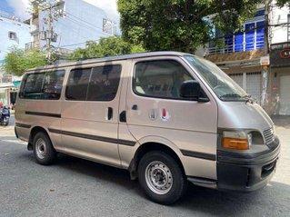 Bán xe Toyota Hiace đời 2003, màu bạc chính chủ