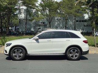 Bán Mercedes GLC200 sản xuất 2018, màu trắng