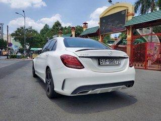 Bán Mercedes C300 sản xuất 2016, màu trắng