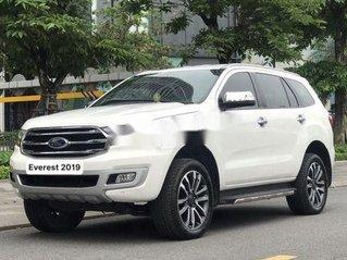 Cần bán gấp Ford Everest sản xuất năm 2019 chính chủ