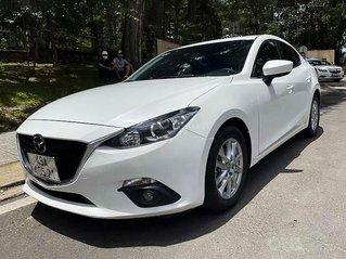 Bán xe Mazda 3 sản xuất 2015, màu trắng còn mới, giá tốt