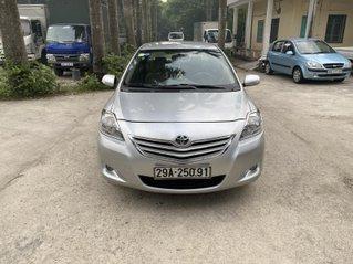 Bán xe Toyota Vios sản xuất 2011 số sàn, màu bạc, xe rất đẹp và tốt, odo 80.000km