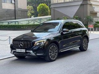 Cần bán Mercedes GLC 250 năm 2018, màu đen